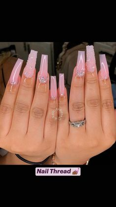 Bling Acrylic Nails, Acrylic Nails Coffin Short, White Acrylic Nails, Aycrlic Nails, Best Acrylic Nails, Fingernails Painted, Classy Acrylic Nails, Long Stiletto Nails, Coffin Acrylics