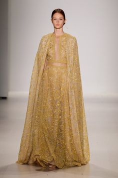 Pin for Later: The Most Gorgeous Gowns From Fashion Weeks Around the World Tadashi Shoji Spring 2015