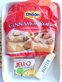 Easy, 3 Ingredient Cinnamon Rolls Yes! 3 ingredients is all you need for insanely delicious cinnamon rolls that taste like they came straight from the bakery. Make the night before, let them rise in the morning, and then bake them. Breakfast Items, Breakfast Dishes, Breakfast Recipes, Breakfast Cake, Brunch Recipes, Dessert Simple, Rhodes Cinnamon Rolls, Easy Cinnamon Rolls, Rhodes Rolls