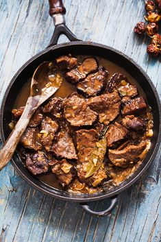 Super-tasty Mexican recipe for Mole, a traditional sauce accented with chocolate! Recipe for chicken with mole sauce from chef David Lebovitz. Lamb Recipes, Mexican Food Recipes, Chicken Recipes, Chocolate Mole Recipe, A Food, Food And Drink, Mole Sauce, Tabasco, Lamb Stew