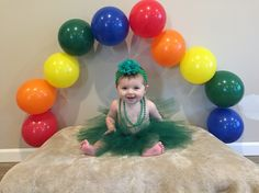 Baby St Patrick's day picture Milestone Pictures, Monthly Pictures, Boy Pictures, Baby Valentines Day Outfit, St Patrick's Day Photos, Picture Ideas, Photo Ideas, St Patricks Day Pictures, Little Pony Party
