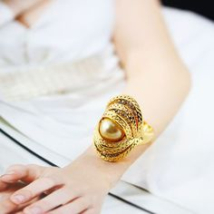 Fashion Gold Pearl Index Finger Ring