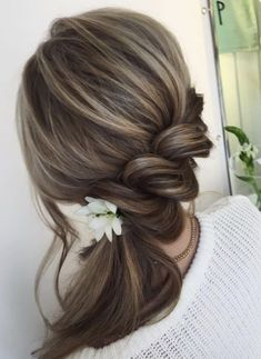 Trendy Wedding Hairstyles : Featured Hairstyle: Lena Bogucharskaya; www.instagram.com/lenabogucharskaya; Wedding hairstyle idea. - #WeddingHairstyles