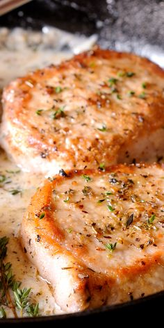 Boneless Pork Chops in creamy white wine sauce are cooked in the juice of a fresh lemon, garlic and thyme. Juicy & packed with flavor, they are ready in 30 minutes! Pork Tenderloin Recipes, Pork Chop Recipes, Pork Chops, Meat Recipes, Cooking Recipes, Creamy White Wine Sauce, Sauce Crémeuse, Baked Salmon Recipes, Dinner Entrees