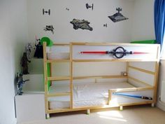Hack transformer le lit IKEA Kura ambiance star wars chambre d'enfant.