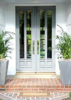 ideas for bright front door colors curb appeal entrance Front Door Design, Front Door Colors, Door Entryway, Entrance Doors, Double Doors Entryway, Entrance Ideas, Doorway, Double Front Doors, Porche
