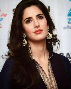 Katrina Kaif Wallpapers, Katrina Kaif Images, Katrina Kaif Hot Pics, Actress Anushka, Bollywood Actress, Beautiful Indian Actress, Beautiful Actresses, Tammana Bhatia, Shruti Hassan