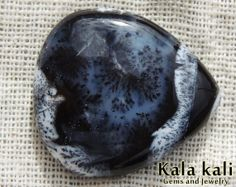 Dendritic Agate cabochon Dropshape white dendritic by KalaKaliGems, €17.00