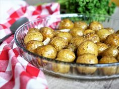 Pommes de terre grenaille rôties au four #recette #pdt #pommedeterre #grenaille #accompagnement #legume #potatoes #recettefacile Agaves, Vegetable Salad, Pretzel Bites, Potato Salad, Bbq, Food Porn, Lunch Box, Food And Drink, Favorite Recipes