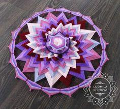 Mandala Design, Mandala Art, Dream Catcher Patterns, Gods Eye, Arts And Crafts, Diy Crafts, Thread Art, Weaving Art, Barn Quilts