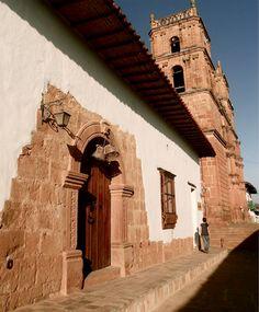 porton entrada casa piedra madera bareque barichara santander colombia foto mauricio mar