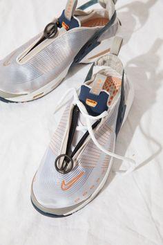 Rare Vintage Nike Air Max / sling back / lightweight summer Summer Sneakers, Air Max Sneakers, Shoes Sneakers, Sneakers Design, Women's Shoes, Sneakers Fashion, Fashion Shoes, Futuristic Shoes, Baskets