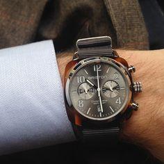 Nouvelle montre Briston Clubmaster avec cadran soleillé gris #montre #look #mode #chic #dandy #gris #briston #clubmaster #chronographe #fashion #mensfashion #fashionformen #grey #watches