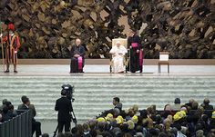 Pope counsels parents to share faith with joy, dialogue :: Catholic News Agency (CNA)