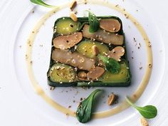 terrine Cooking Brussel Sprouts, Cooking A Roast, Molecular Gastronomy, Culinary Arts, Food Design, Creative Food, Food Presentation, Food Plating, How To Cook Chicken