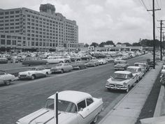This view from 1956 shows Sears Crosstown at it's height State Of Tennessee, Memphis Tennessee, Hay Day, Old Gas Stations, California History, County Seat, Old Advertisements, My Childhood Memories, Places To Go