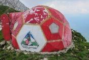 Refugiul Grind 2 Soccer Ball, Sports, Hs Sports, European Football, European Soccer, Soccer, Sport, Futbol