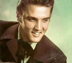 ♡♥Elvis Presley - click on pic to see a larger pic in a better looking black background♥♡