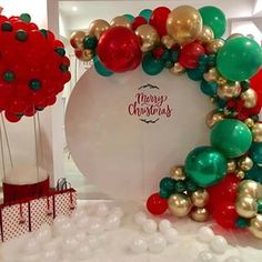 Fiestas navideñas It's beginning to look a lot like Christmas ❤️💚 by: InnoBalloons S. Christmas Party Backdrop, Christmas Photo Booth, Christmas Balloons, Christmas Birthday Party, Christmas Backdrops, Christmas Party Decorations, Christmas Themes, Birthday Party Decorations, Christmas Photos