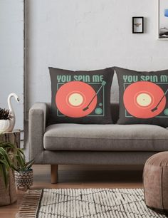Vinyl Lover Throw Pillow. Retro. Vintage. Turntable.