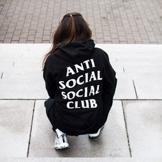 Anti Social Social Club - - Anti Social Social Club Source by amyamyatwork Baby Nike Shoes, Look Fashion, Fashion Outfits, Fashion Pics, Daily Fashion, Fashion Shoes, Fashion Men, Runway Fashion, Fashion Trends