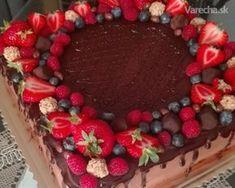 Torta čokoládová s mascarpone - recept Sweet Desserts, Delicious Desserts, Czech Recipes, Cake Recipes, Vegan Recipes, Oreo Cupcakes, Food Hacks, Chocolate Cake, Cheesecake