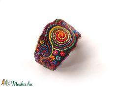 Frida - rendelhető romantikus, széles, gyöngyhímzett karkötő (gyongytyuk) - Meska.hu