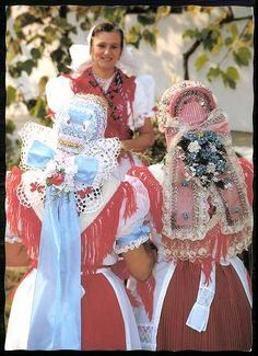 Karancslapujtő; Palóc népviselet | Képeslapok | Hungaricana Costumes Around The World, Folk Dance, Folk Costume, Eastern Europe, Traditional Dresses, Hungary, Culture, Times, Clothes