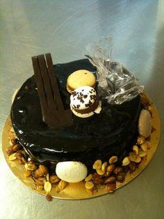 Really nice macaron-cake of SutiPatika (Cookie-Pharmacy in English) sweet-shop (Budapest, Hungary)