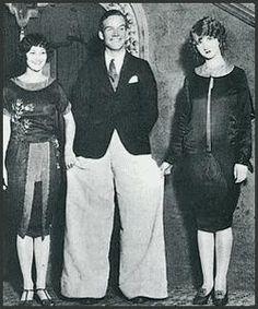 Oxford Baggies, a 1920s men's fashion