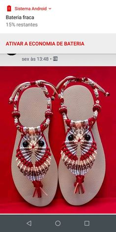Flip Flop Craft, Slave Bracelet, Crochet Amigurumi Free Patterns, Baby Girl Crochet, Crochet Shoes, Bare Foot Sandals, Sleeve Designs, Flip Flop Sandals, Decorated Flip Flops
