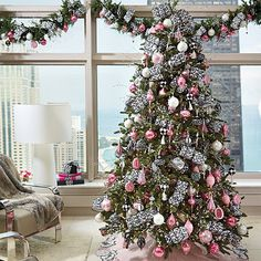 a beautiful example of our wilshire ornament collection on a fully decorated tree - Fully Decorated Christmas Tree