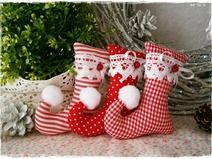 3 Elf Boots ♥ Tree Decoration ♥ Red ♥ Christmas by Little Charmingbelle on Da . Christmas Elf Doll, Etsy Christmas, Christmas Sewing, Felt Christmas, Homemade Christmas, Elf Decorations, Handmade Christmas Decorations, Holiday Crafts, Diy Christmas Ornaments