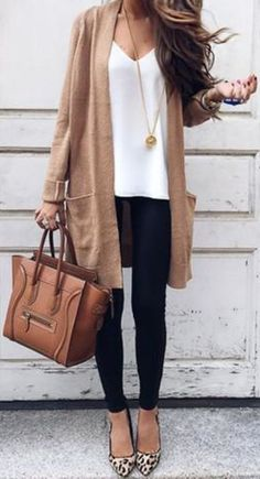 Street Chic Long Cardigan Source by oliviagracewisk Related Posts:Summer Outfit Ideas with a Long Striped Cardigan…Summer casual outfit idea with long striped…Street fashion street style autumn-winter Bella! A Lesson in Street Chic Straight From…Lulus Street Chic, Street Mall, Street Wear, Paris Street, Look Blazer, Mode Outfits, Gym Outfits, Travel Outfits, School Outfits