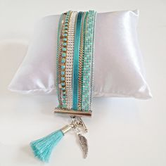 Bracelet perles miyuki turquoise mint argent chainette strass et pompon