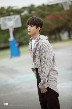 YG Treasure C#1 - Park Jeongwoo Box Park, Treasure Boxes, Survival, Kpop, Heart, Jung Woo, Blackpink Jisoo, Photography, Sunshine