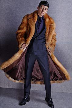 Купить товар2015 новые зимние мужчин   класс лисий мех длинный участок шуба JSH606 в категории Пальто из натуральной кожина AliExpress.  2015 новые зимние мужские высококачественного меха лисы длинный участок меховым пальто JSH606