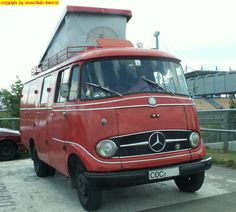 Auf dem Nürburgring 2007 Mercedes Camper, Mercedes Benz Vans, Car Camper, Cool Campers, Cool Vans, Old Trucks, Van Life, Concept Cars, Dream Cars