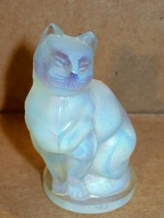 Sabino Opalescent Art Glass Cat - made in France