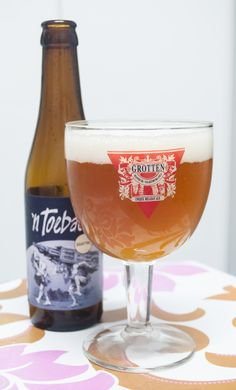 Scheldebrouwerij 'n Toeback. Belgian Strong Ale. 9º