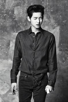 Go here for previously released spreads of Song Joong Ki in High Cut's Volume 92. . . . Source  |  High Cut .