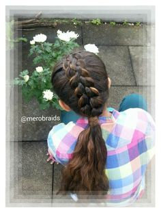A 3strand braid with a twist