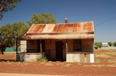 Tin House in Gwalia Tin Shed, Aussie Christmas, Tin House, Australian Bush, Australia Hotels, Amazing Buildings, Homesteads, Western Australia, Sheds