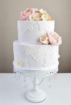 wedding cake gallery    Chandelier Cake stand created by Opulent Treasures