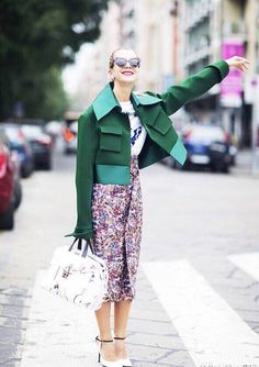 Prints in street style. Natalie Joos at Milan Fashion Week Spring Fashion Weeks, Fashion Outfits, Fashion Trends, Milan Fashion, Street Fashion, Looks Street Style, Street Style Women, Love Fashion, Womens Fashion