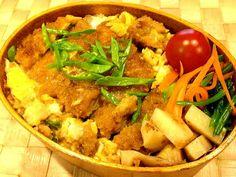 タケノコの土佐煮、ほうれん草と人参のポン酢和え。 雨〜10時までにやむかな〜やんで〜 - 83件のもぐもぐ - カツ丼弁当 by masako522