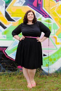 Aussie Curves Danimezza Plus Size Fashion Blogger Outfit ASOS Curve Dress NEON