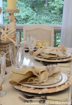 quenalbertini: Beach Themed Table Setting w/Shell Chargers Wedding Table, Decor Wedding, Gift Wedding, Summer Wedding, Shell Centerpieces, Shell Candles, Barbie Dream House, Coastal Christmas, Table Settings
