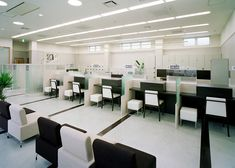 banking counter Kagoshima Mutual Credit Bank Yoshino Branch: K Design- : K Kagoshima Mutual Credit Bank Yoshino Branch: K Design - Bank Interior Design, Nurses Station, Public Space Design, Office Table, Office Interiors, Counter, House Plans, Banks, Architecture