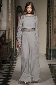 Sfilata Luisa Beccaria Milano - Collezioni Autunno Inverno 2014-15 - Vogue